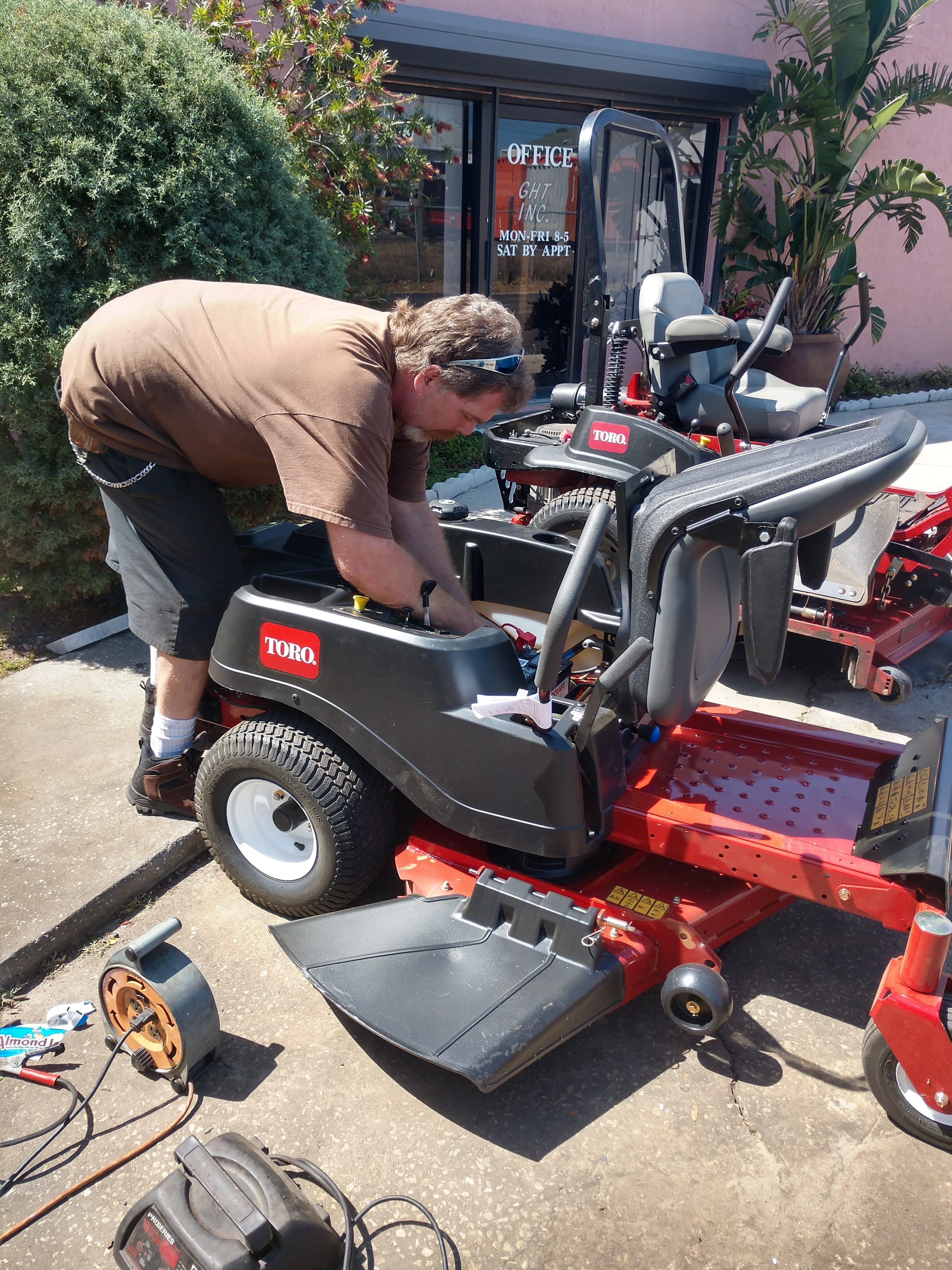 About Us   Holiday Mower Shop